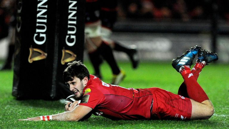 Fly-half Dan Jones was among the try scorers as Scarlets put seven past the Dragons