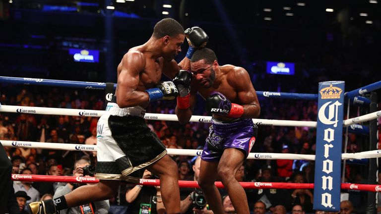 Errol Spence Jr (left) retained his IBF Welterweight title against Lamont Peterson