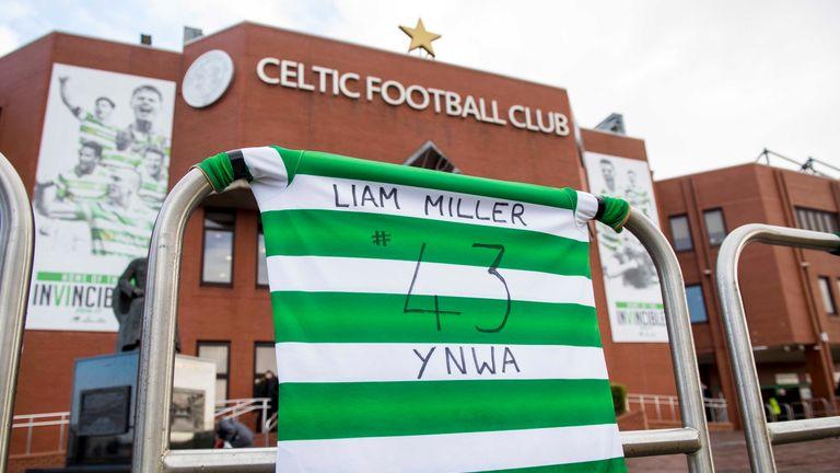 Celtic fans laid tributes to Liam Miller on Saturday