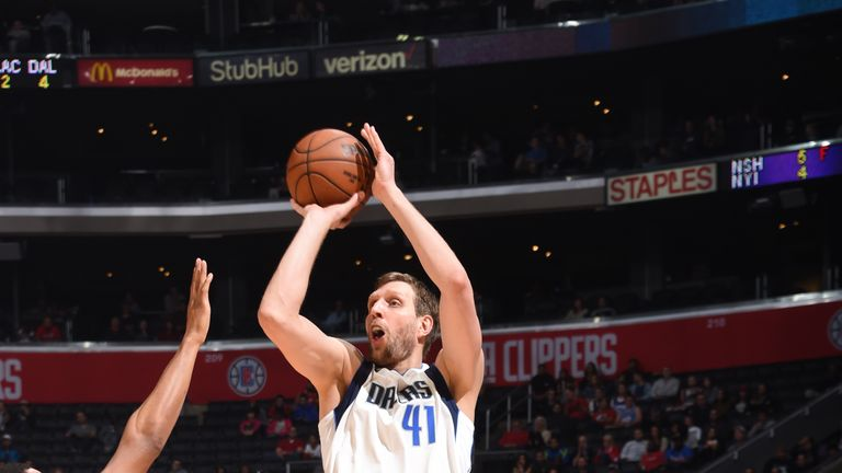 Dirk Nowitzki passed 50,000 minutes in the NBA on Monday night