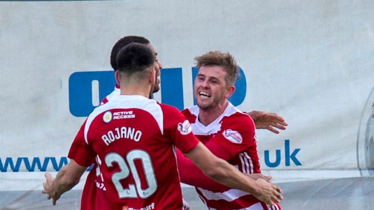 Hamilton's David Templeton (R) has scored four goals in his last seven Hamilton Accies performances.