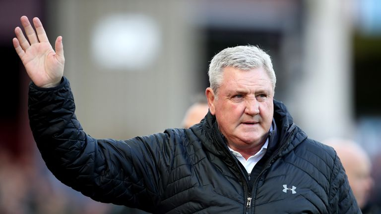 Aston Villa manager Steve Bruce prior to kick-off in the Second City derby at Villa Park