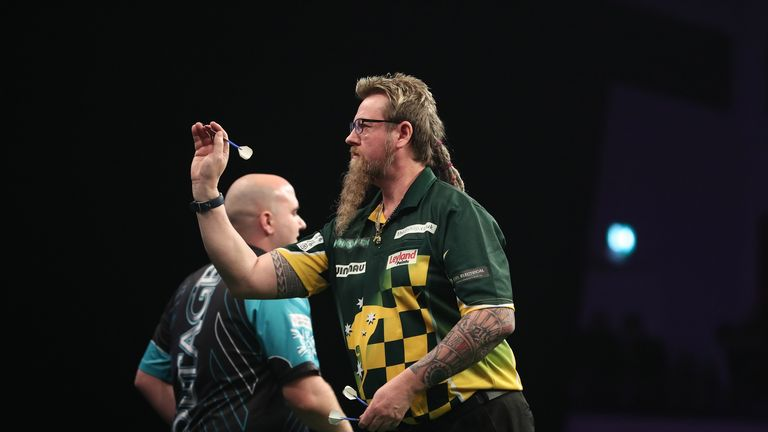 Simon Whitlock has made an impressive return to the Premier League scene - Photo credit: Lawrence Lustig/PDC