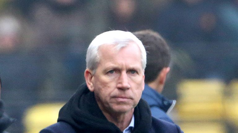 Alan Pardew looks on during West Brom's 1-0 defeat at Watford