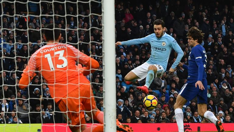 Bernardo Silva scored the only goal as Manchester City beat Chelsea 1-0 at the Etihad
