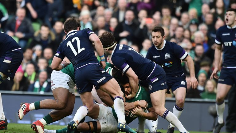 Murray scored a crucial try at the beginning of the second half to put Ireland in control