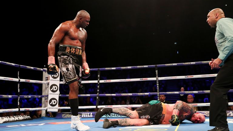 Whyte brought a sudden end to the fight in the sixth