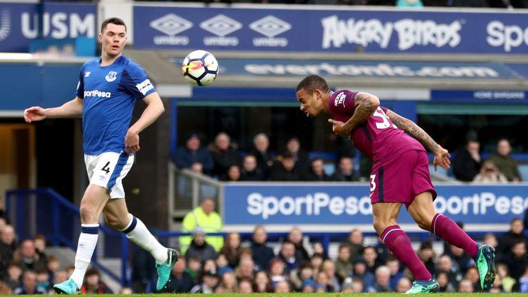 Gabriel Jesus scores his first Premier League goal since November to make it 2-0