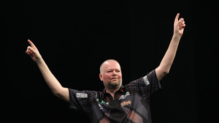 Raymond van Barneveld defeated Gerwyn Price 7-5 in last year's Premier League
