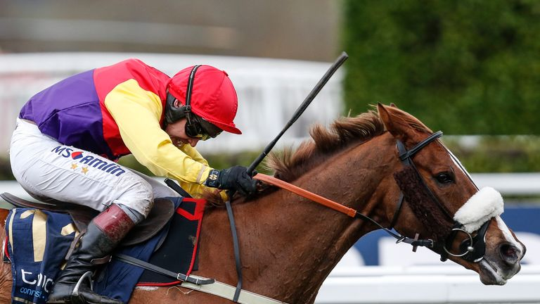 Racing: Elegant Escape on Gold Cup track