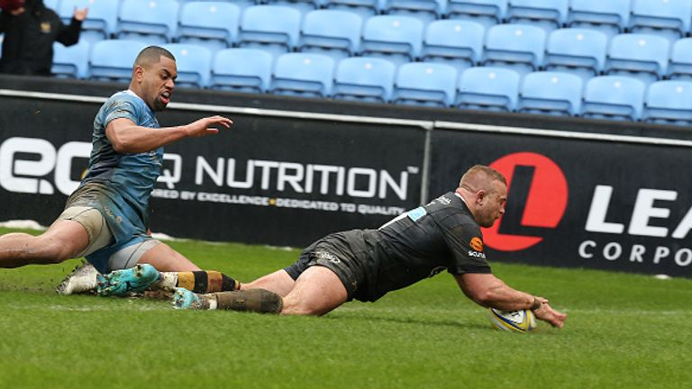 Wasps' Tom Cruse scores his second and the game's match-winning try