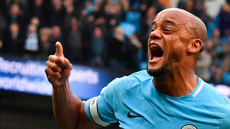 Guardiola wants Kompany to extend City stay