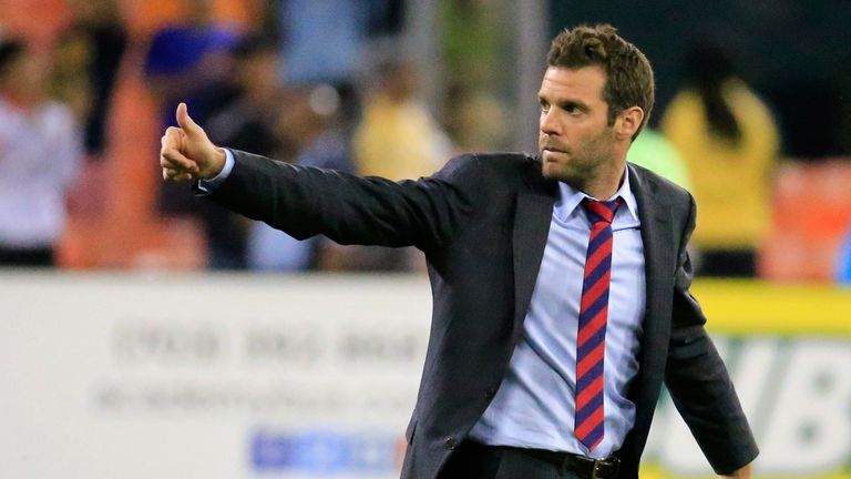 DC United head coach Ben Olsen was collared at the airport by TMZ