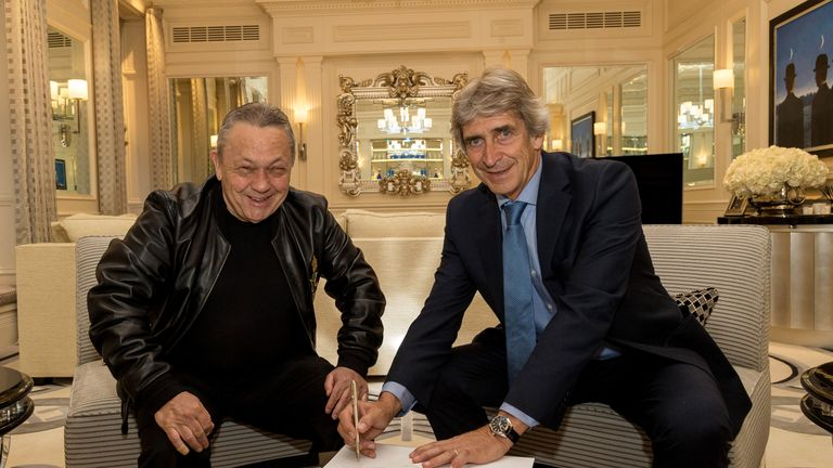 Manager Manuel Pellegrini has praised the West Ham owners for investing in the squad this summer