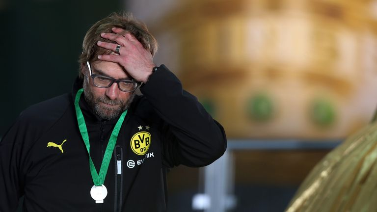 Jurgen Klopp shows his dejection after the 2014 German Cup final