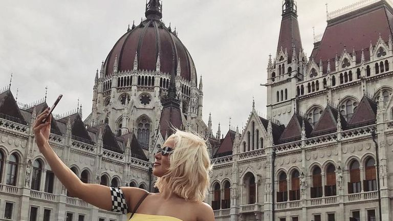 There was some downtime for Lana among the travelling and performing on the European tour