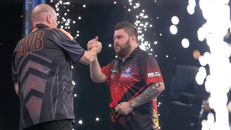 Michael Smith and Raymond van Barneveld headline Group B