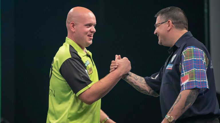 Michael van Gerwen and Gary Anderson were involved in a Premier League classic in Newcastle
