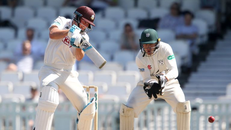Scott Borthwick made 82no before te teams shook hands on a draw at The Oval