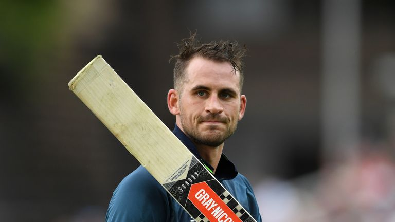 Alex Hales hammered eight sixes in his rapid innings