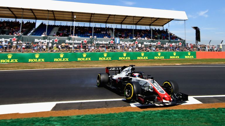 Grosjean out in P1