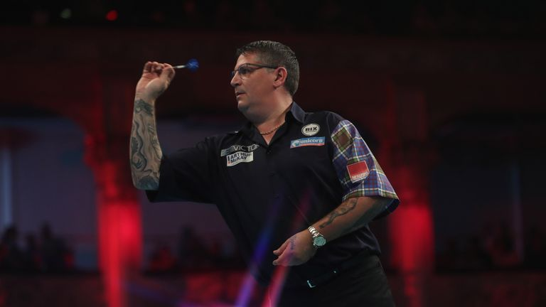 Gary Anderson is bidding to retain his US Darts Masters crown
