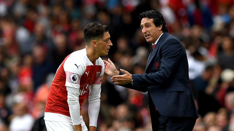 Monreal says there was no dispute between Ozil and boss Unai Emery