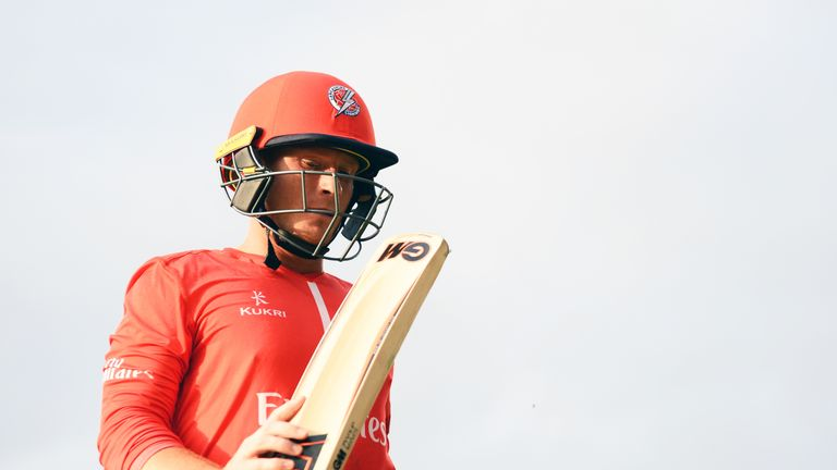 Alex Davies scored 64 as Lancashire made the quarter-finals of the Vitality Blast