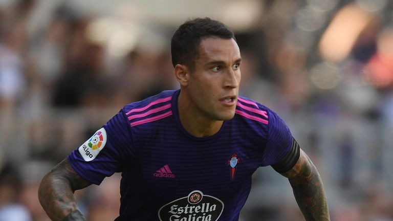 Fulham boss Slavisa Jokanovic wants to sign Hugo Mallo from Celta Vigo