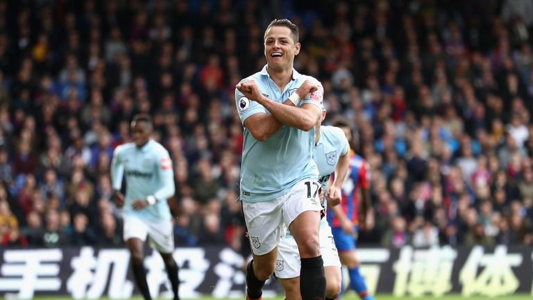 Javier Hernandez has experience of playing in the Champions League from his time with Manchester United and Bayer Leverkusen
