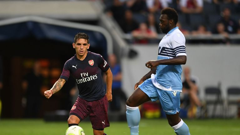 Lucas Torreira moves the ball in midfield