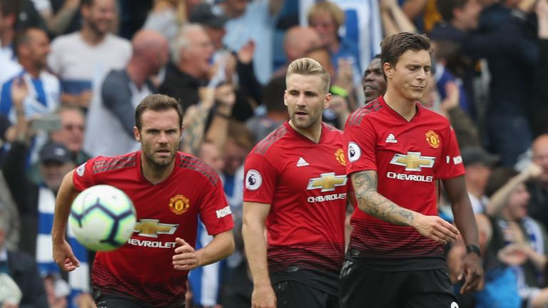 Manchester United fell to a 3-2 defeat at Brighton on Sunday