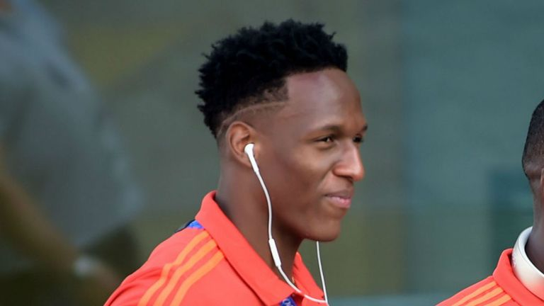 Yerry Mina could make his Everton debut after the international break