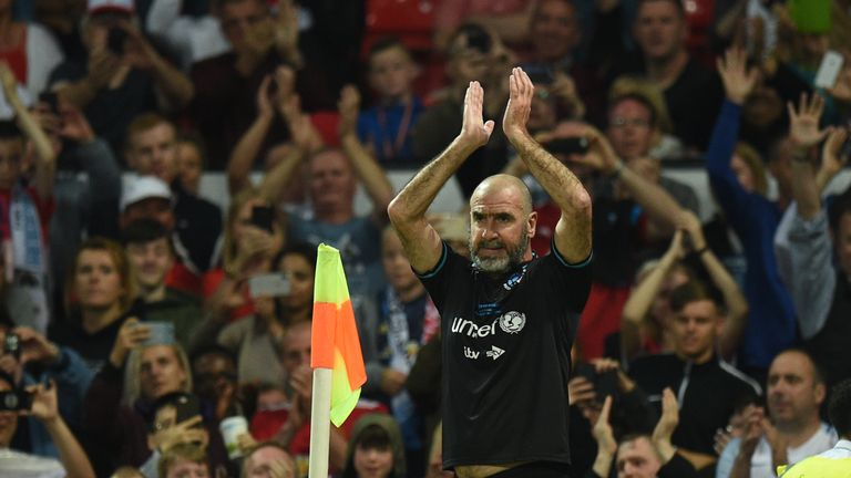 Cantona thrilled fans at Old Trafford