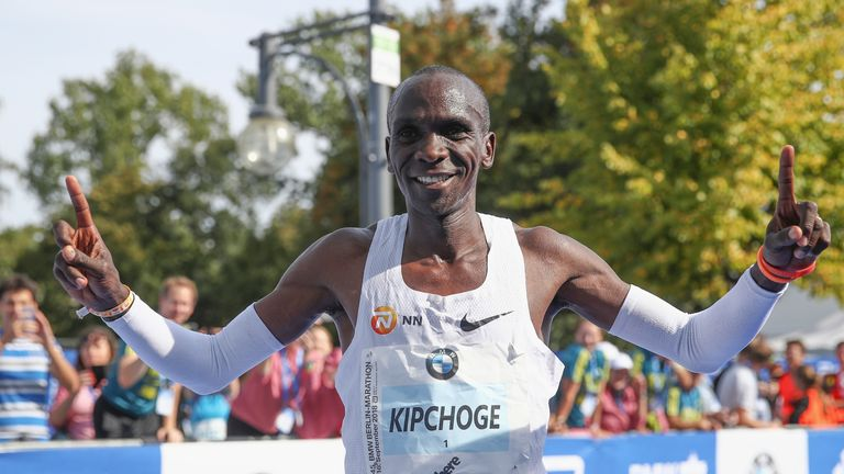 Eliud Kipchoge smashes marathon world record in Berlin