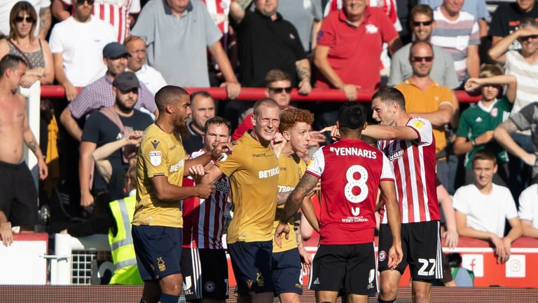Brentford and Nottingham Forest players argue during their Sky Bet Championship match