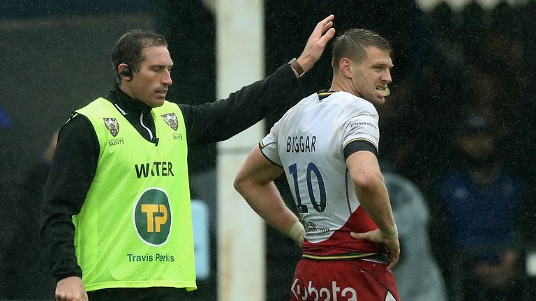 Dan Biggar missed a conversion that would have earned Saints a tie against Bath
