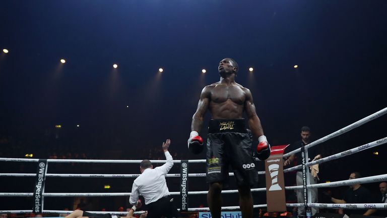 Lawal moved to 8-0 out in Saudi Arabia