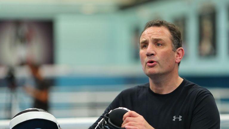 Joshua says he will not split from trainer Rob McCracken