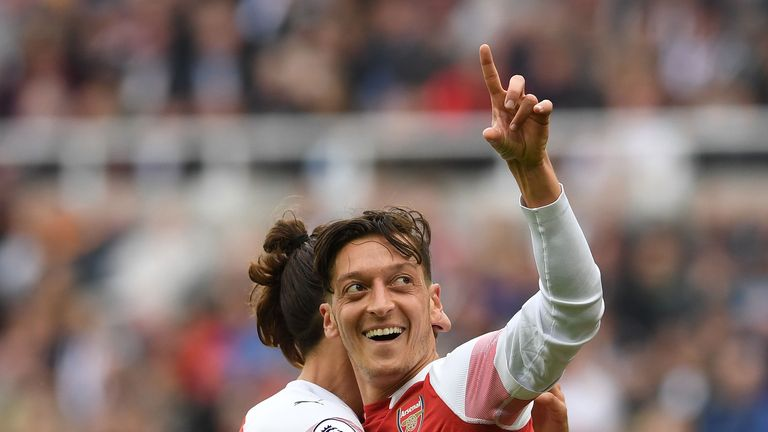 Arsenal's Mesut Ozil dismisses Dennis Bergkamp comparison