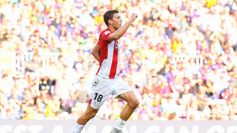 Oscar de Marcos put Bilbao ahead at the Nou Camp