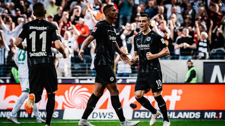 Sebastian Haller scored from the spot but Frankfurt were beaten by Bremen
