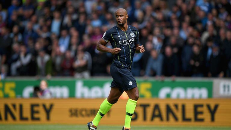 Vincent Kompany wants to take advantage of Manchester United's problems