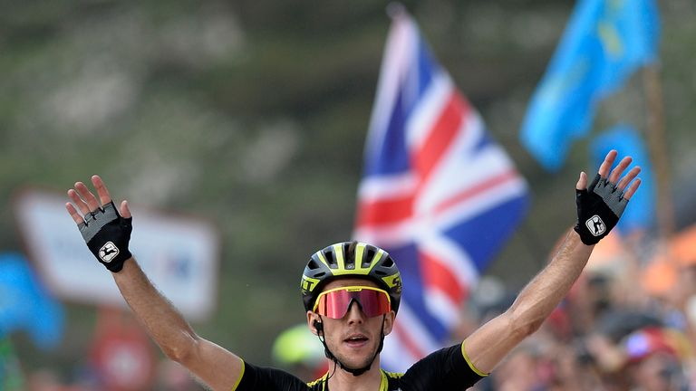 Simon Yates gets the red jersey back after a gruelling effort
