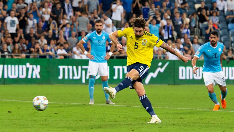 Charlie Mulgrew scores a penalty to make it 1-0