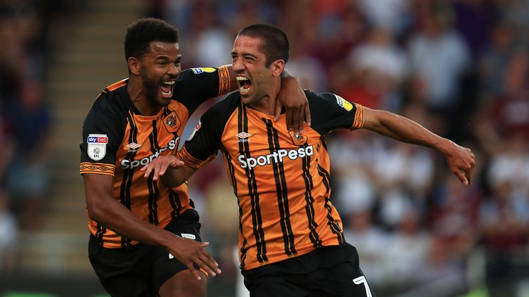 Fraizer Campbell is set to join Huddersfield