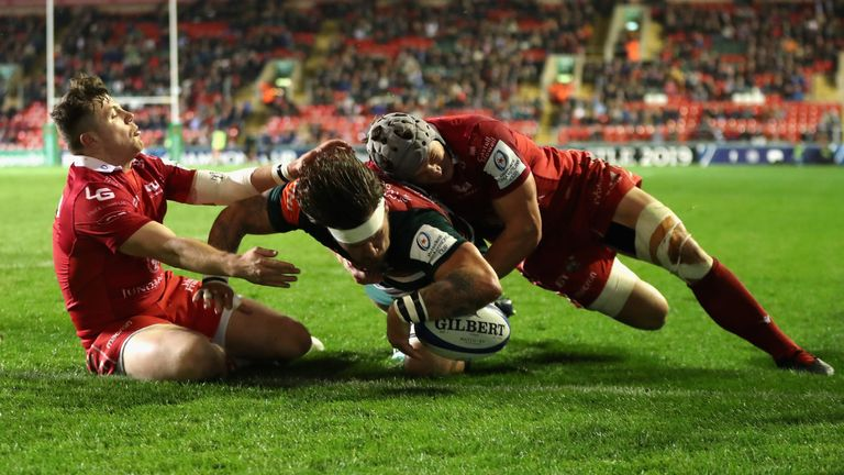 Guy Thompson went over for Leicester's second try of the first half