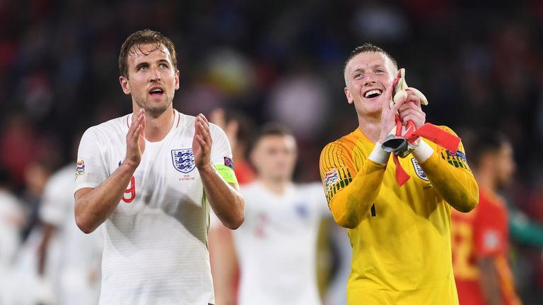 Harry Kane celebrates with Jordan Pickford after their 3-2 victory in Spain in the UEFA Nations League
