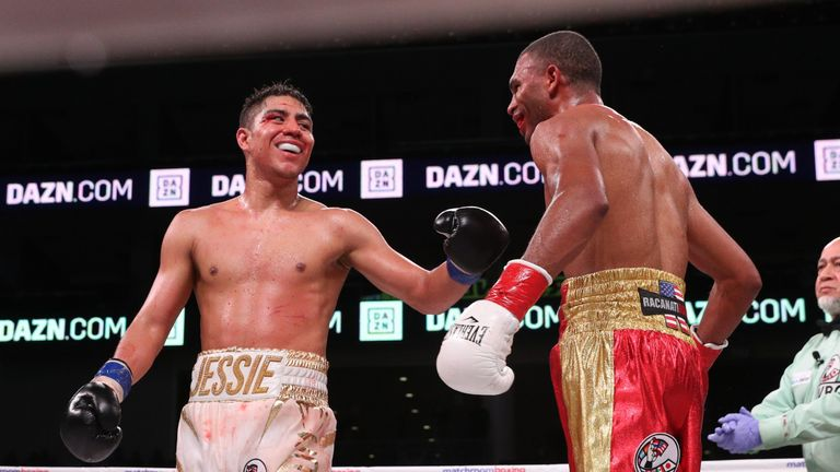 Jessie Vargas and Thomas Dulorme battled to a draw in Chicago