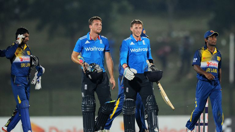 Jos Buttler and Joe Root guided England to victory in the third ODI with an unbroken stand of 84